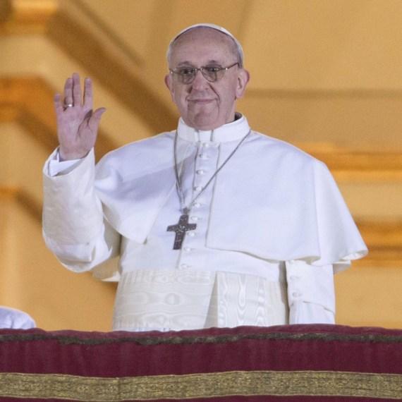 Papa Francisco catolicos con accion