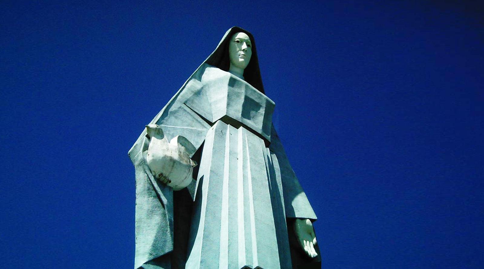 Monumento a Nuestra Señora de la Paz, el más grande de Latinoamérica.